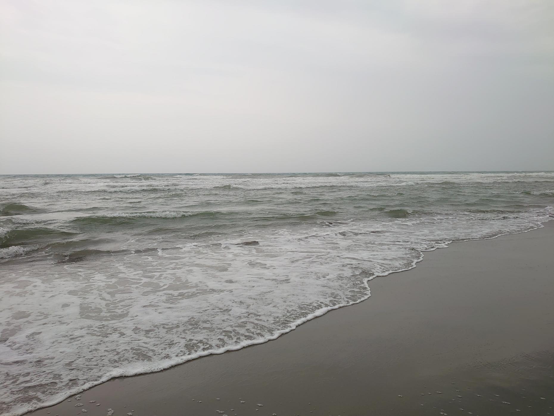 小雨の田原サーフ