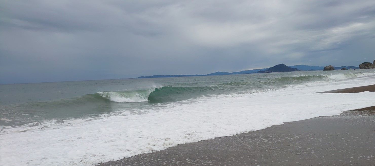 田原サーフの波